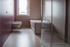 bagno resina monocromatica