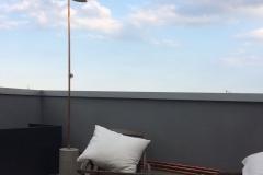 dettaglio terrazzo con pavimento in resina