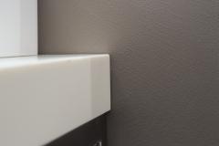dettaglio di una parete del bagno