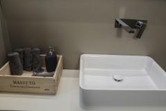Parete del bagno in resina