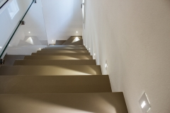 Scale in resina di villa moderna